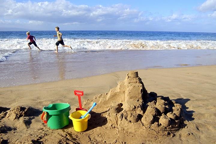 Juegos de agua y beneficios del agua para los niños